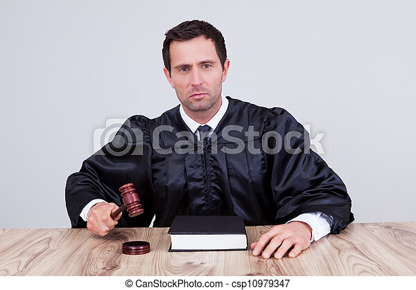 juge, mâle, salle audience - csp10979347