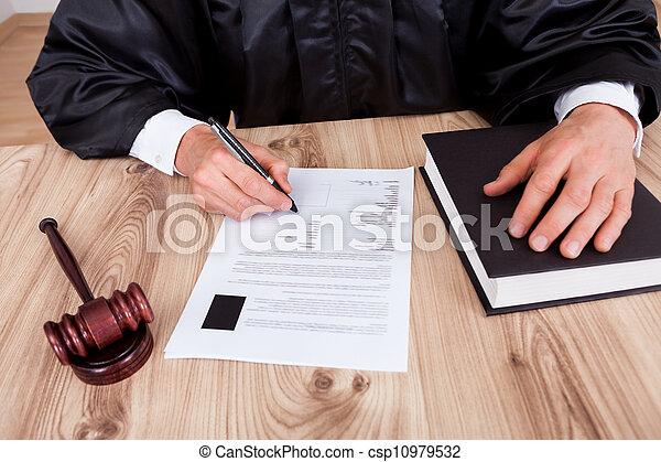 juge, mâle, salle audience - csp10979532
