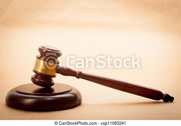 juge, marteau, caisse de résonnance - csp11083241
