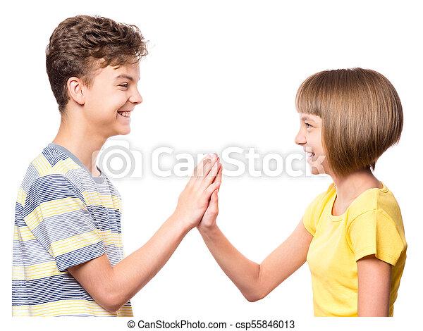 Zwei Mädchen Vertiefen Ihre Freundschaft