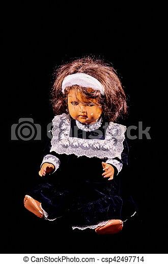 Muñeca de cerámica de juguete - csp42497714