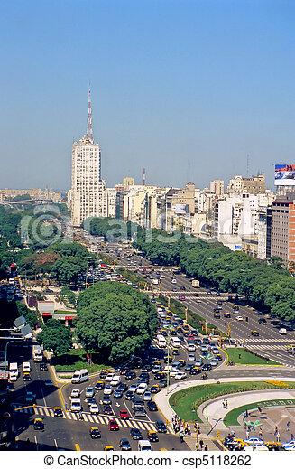 Avenida 9 de Julio en Buenos Aires - csp5118262