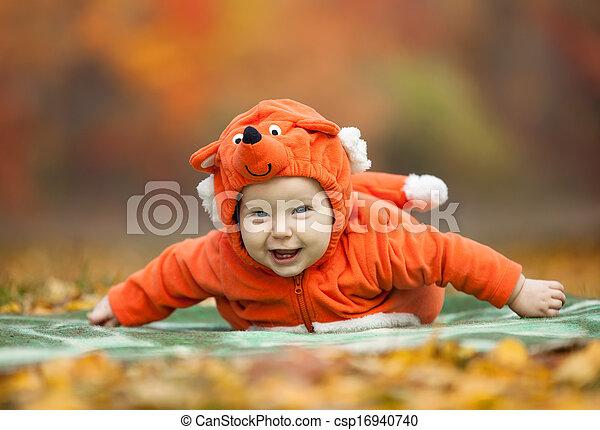 Junge Park Fuchs Herbst Kostum Angezogene Baby Lacheln