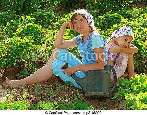 Descansando juntos - csp2108929