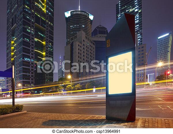 Moderne Stadt-Werbungs-Lichtboxen - csp13964991