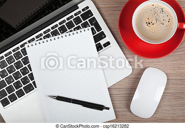 kaffeetasse, laptop, notizblock, leer, aus - csp16213282