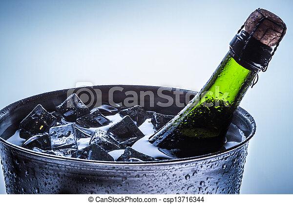 kalte , champagner, closeup, feier - csp13716344
