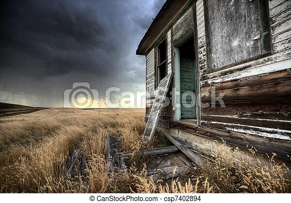kanada, farmház, elhagyatott, saskatchewan - csp7402894