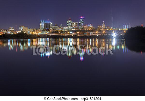 Kansas City, Missouri Cityscape - csp31821394
