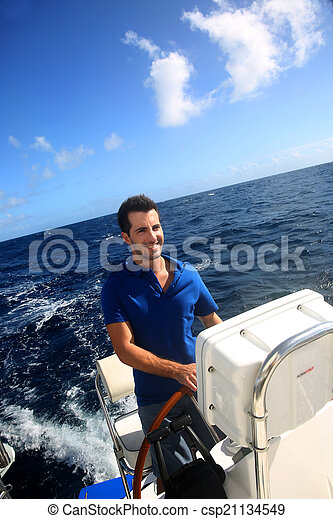 karaibski, żeglując, młody, marynarz, morze, uśmiechanie się - csp21134549