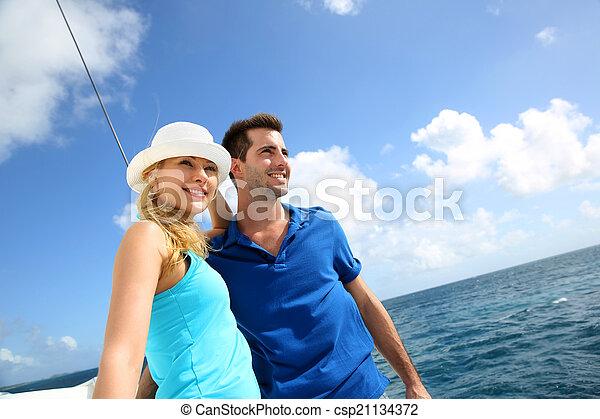karaibskie morze, żaglówka, para, młody, bogaty, uśmiechanie się - csp21134372