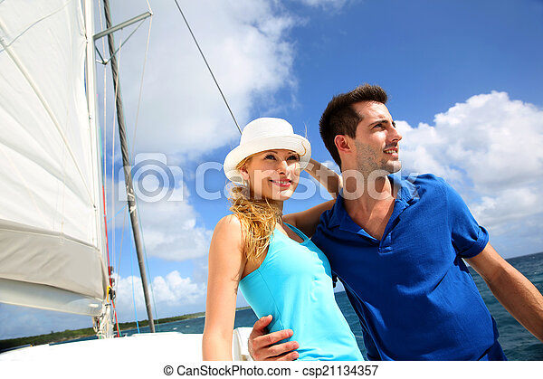 karaibskie morze, żaglówka, para, młody, bogaty, uśmiechanie się - csp21134357