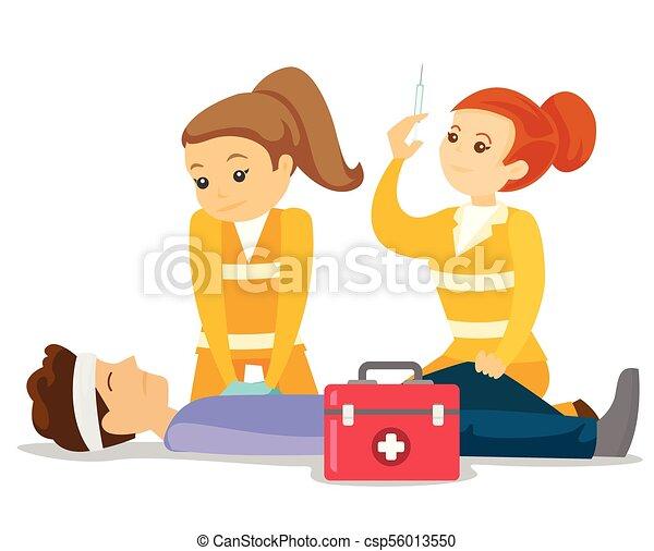 Ärzte, die Herz-Lungen-Wiederbelebung machen. - csp56013550