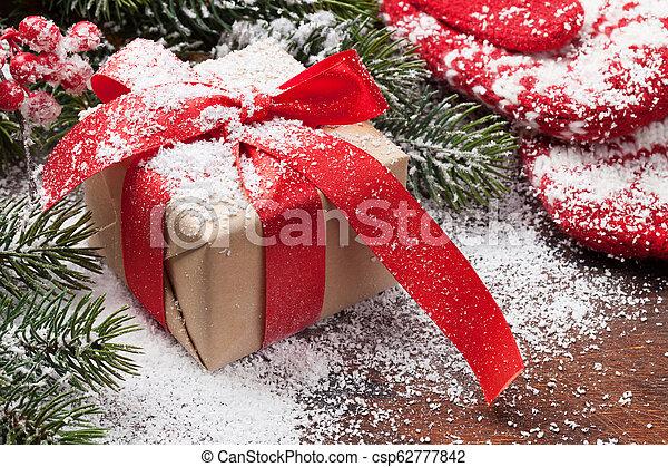 kasten, tanne, weihnachtsgeschenk - csp62777842