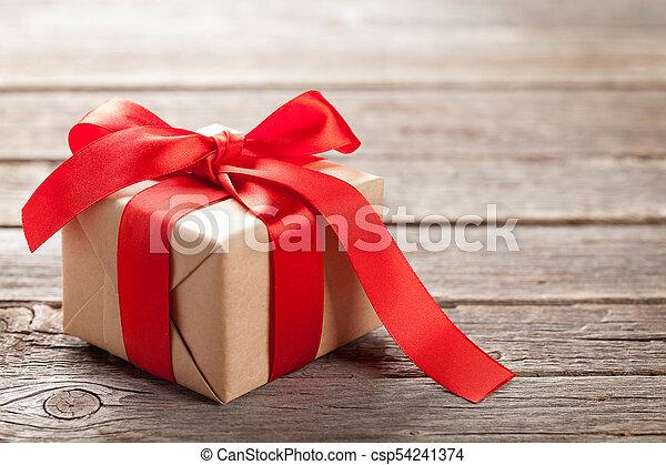 kasten, valentinestag, geschenk - csp54241374