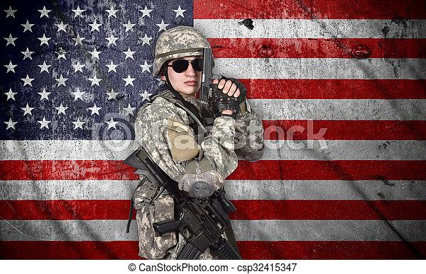 katona, pisztoly - csp32415347