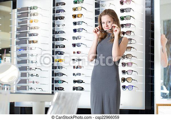kaufmannsladen, brille - csp22966059