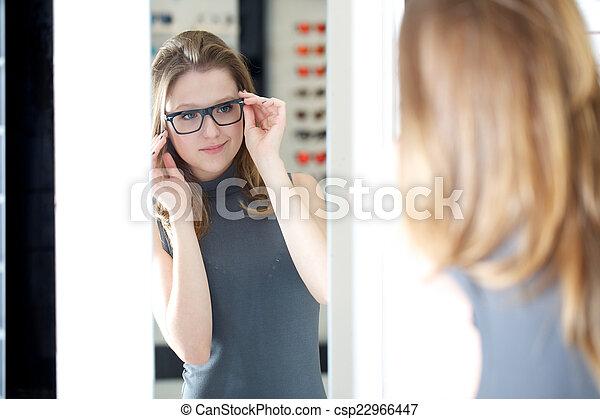 kaufmannsladen, brille - csp22966447