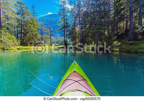 Kayak de gira en el lago - csp50000570