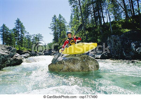 kayaker , ανώτατος , βράχοs , χαμογελαστά , καταρράκτης  - csp1717490