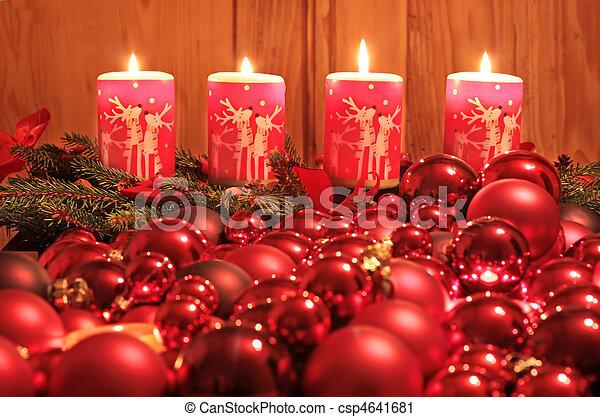 Kerzen Weihnachten.Kerzen Kugeln Advent Weihnachten Brennender Kerzen