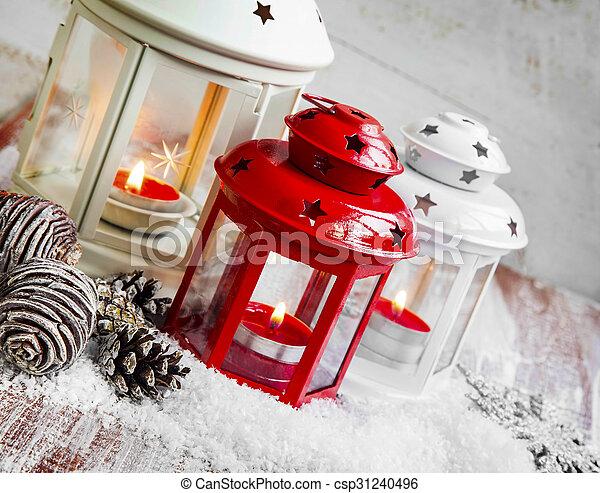 kerzen laternen schnee brennender weihnachten. Black Bedroom Furniture Sets. Home Design Ideas