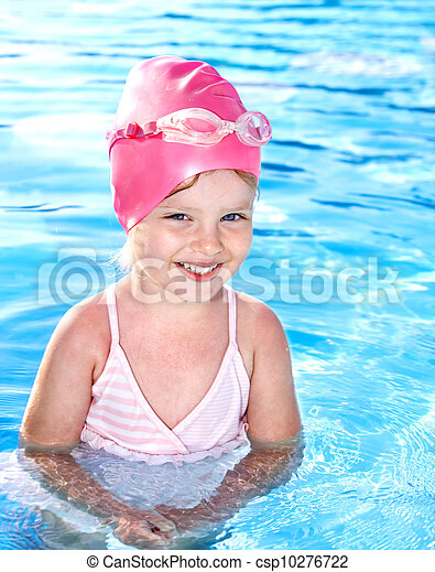 Kid in swimming pool. - csp10276722
