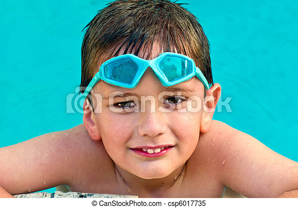 Kid in the swimming pool - csp6017735