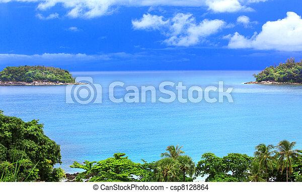 Kind on ocean from coast - csp8128864
