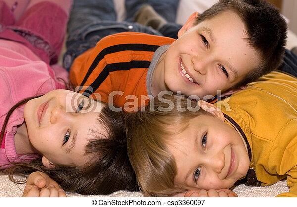 kinder, glücklich - csp3360097
