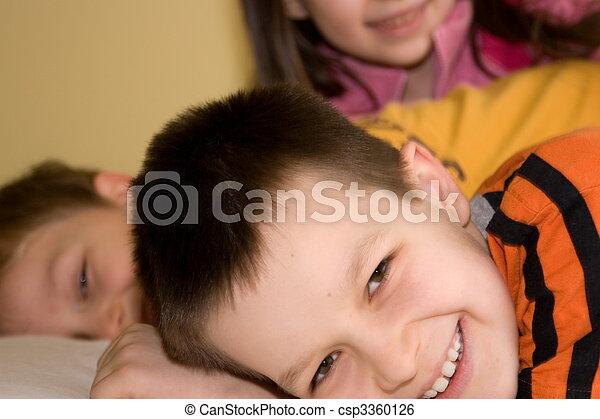 kinder, glücklich - csp3360126