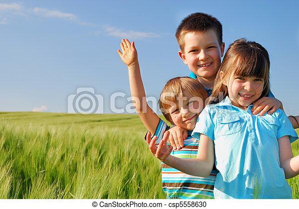 kinder, glücklich - csp5558630