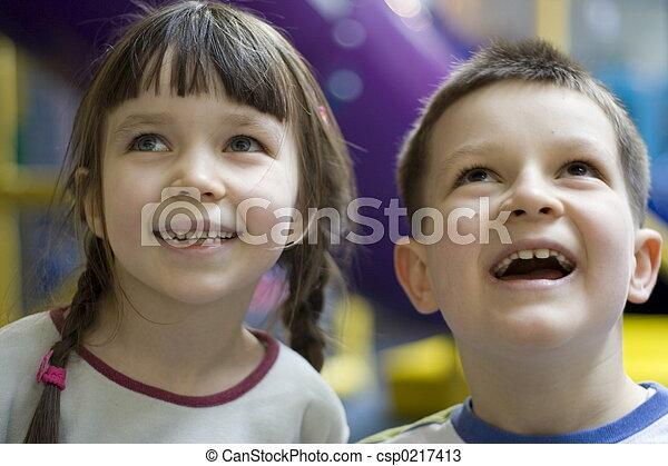 kinder, glücklich - csp0217413