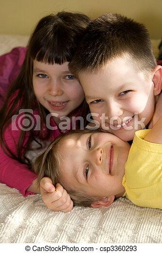 kinder, glücklich - csp3360293