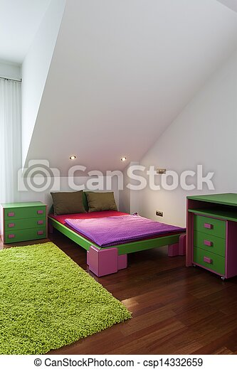 Kinderen, kleurrijke, slaapkamer. Roze, tapijt, groene, kinderen ...