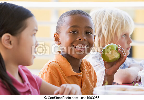 Kindergarten children eating lunch - csp1903285