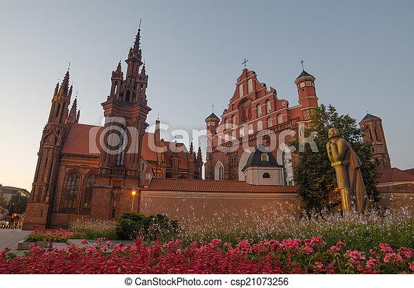 St. Anne's und Bernadines Kirchen - csp21073256