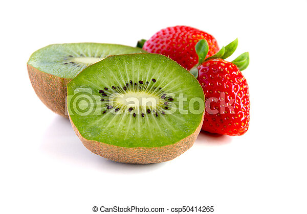 Ripe y jugoso kiwi y primer plano de fresa - csp50414265