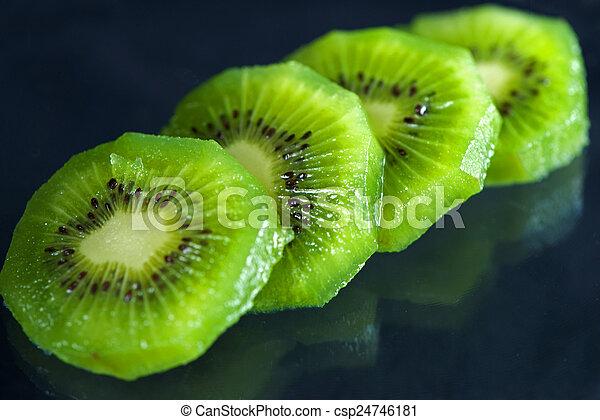 Kiwi Slice - csp24746181