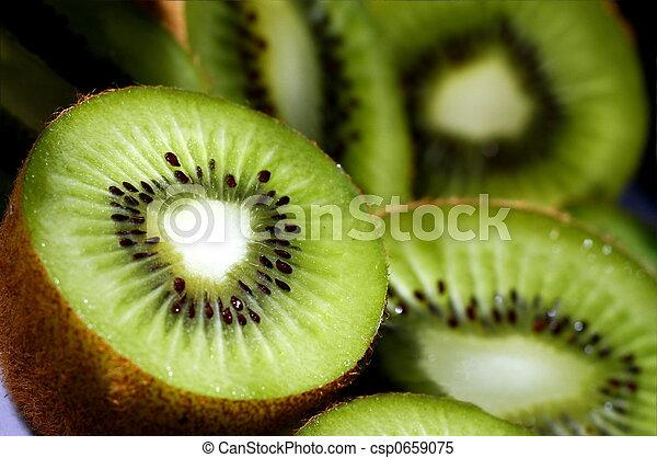 kiwi slices - csp0659075