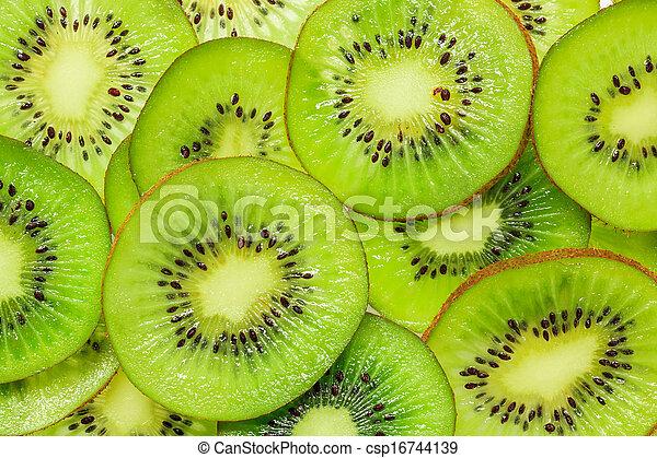 Kiwi slices - csp16744139