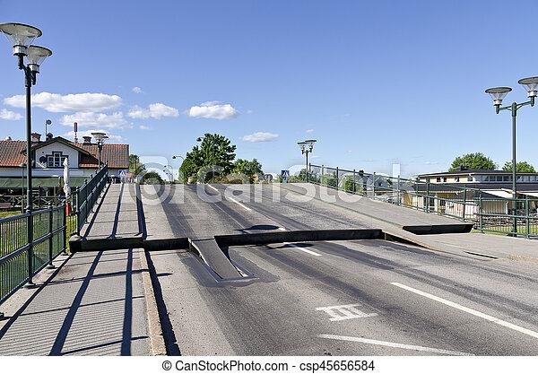 Klappbrücke am Götakanal - csp45656584