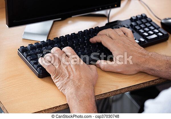klaslokaal, gebruik, senior, computer, student - csp37030748