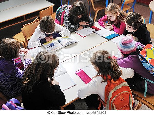 klassenzimmer, bilden kinder, lehrer, glücklich - csp6542201
