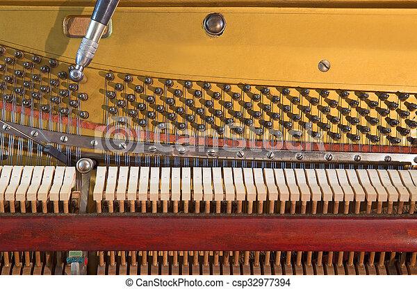 Altes Klavier - csp32977394