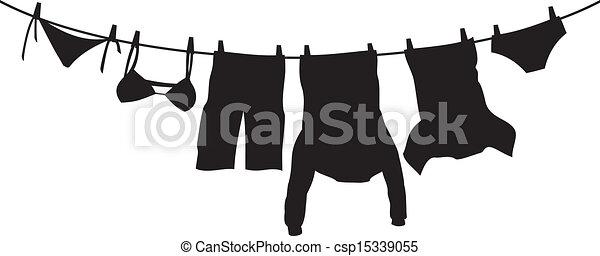 Kleider, die an einer Wäscheleine hängen - csp15339055