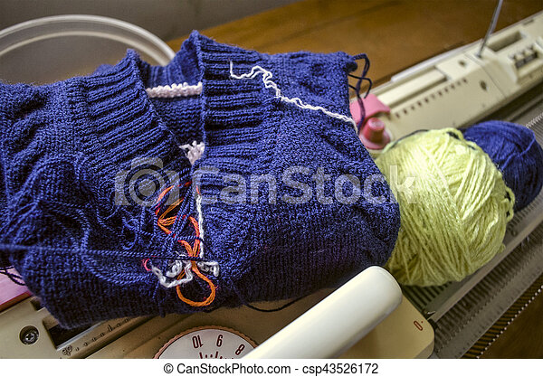 Knitting In Simple Manual Knitting Machine Related In Simple Manual