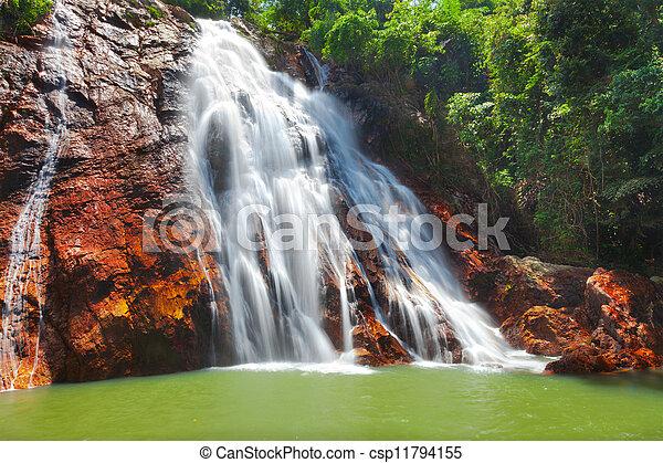 Na muang 1 cascada, koh samui, thailand - csp11794155