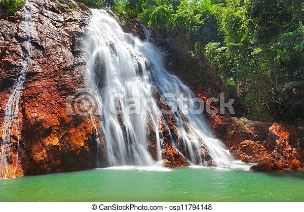 Na muang 1 cascada, koh samui, thailand - csp11794148
