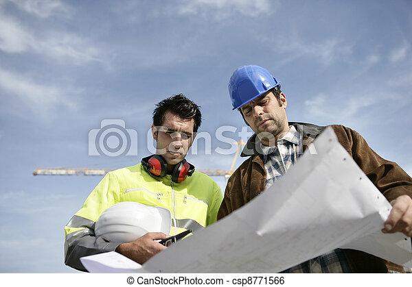 kolega, brygadier, umieszczenie zbudowania - csp8771566